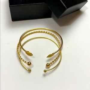 Set of 3 Gold metal bangles bracelets leaf trendy